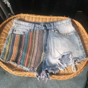 High waisted bag denim and patch shorts